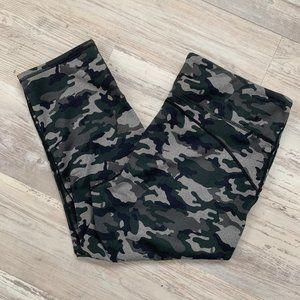 Fabletics Camouflage Capri Leggings XL